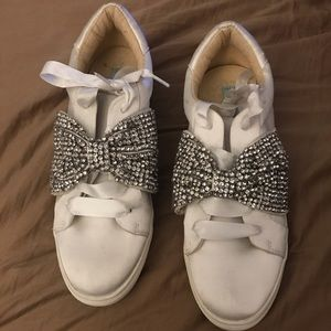 White satin sneakers  with glitter bow